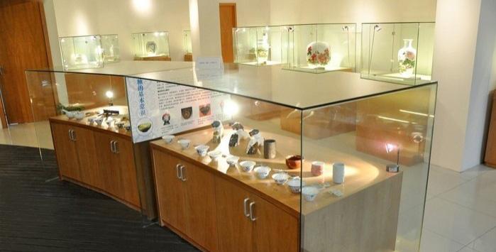 上海陶瓷科技艺术馆位于宝山区逸仙路3000号上海国际工业设计